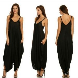 5 Star Rated ⭐️ Harem Style Jumpsuit w Pockets